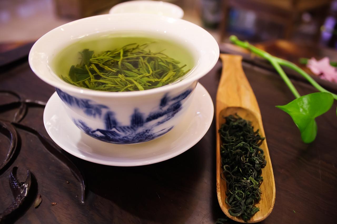 šálek zeleného čaje